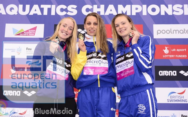 50BREAST_WOMEN_PODIUM